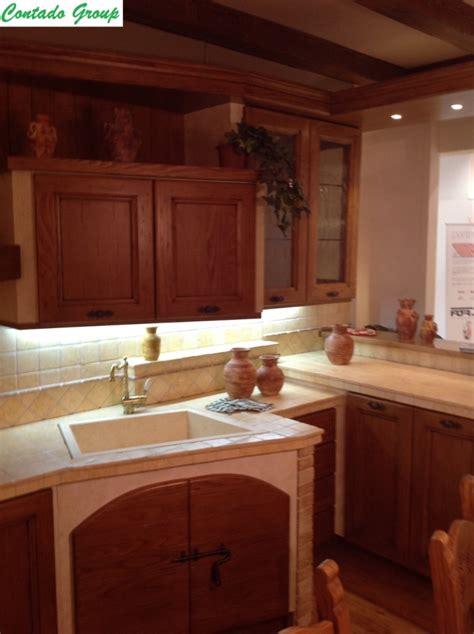 mobili in legno di pino cucina in muratura in legno massello di pino contado