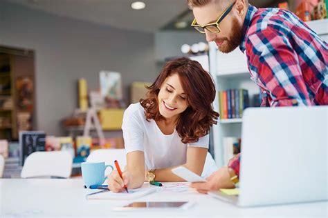 top  graphic design jobs   pursue   career