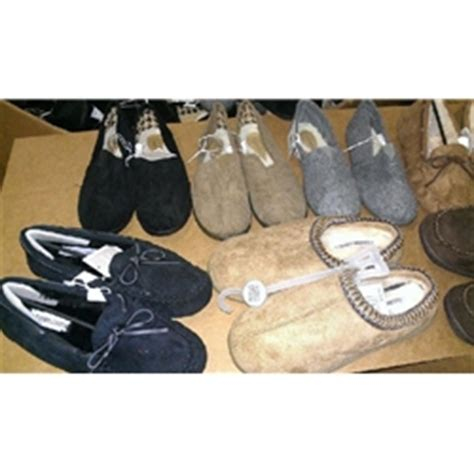 wholesale house slippers wholesale house slippers 350 ct gaylords extreme bargains