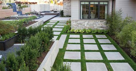 20 Lovely Ideas for Landscaping with Pavers   Home Design