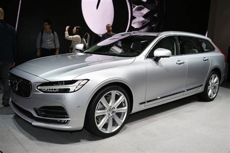 volvos    xc family  gain  cylinder engines carscoops