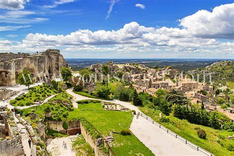 Top 10 des sites à visiter en Provence N°1 Les Baux de Provence Location de vacances Coins