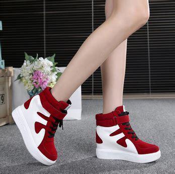 Model Sepatu Terbaru Wanita Kets Keren S215 Sneakers Casual Sport Lucu Sepatu Sneakers Wanita Murah Model Terbaru Keren Dan Modern