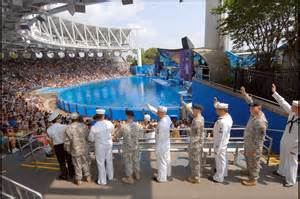 World Offers Sea World S Waves Of Honor Provides Discounts