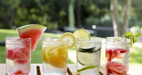 How Should I Use De As A Detox by 7 Reasons Why You Should Drink Fruit Infused Water Instead