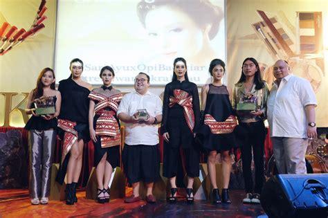 Lipstik Sariayu Inspirasi Krakatau tren warna sariayu 2016 semua tentang lipstik