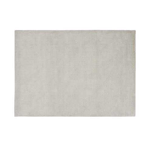 alfombra de pelo corto gris de lana   cm soft maisons du monde