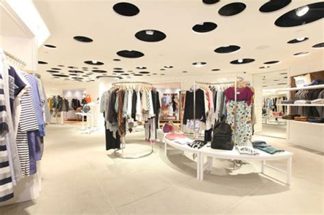 fashionable clothes shop ideas iroonie