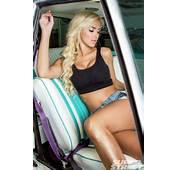 Leanna Bartlett  2014 Toyo Tire Girl Super Sreet