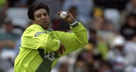 wasim akram reverse swing legendary cricketer wasim akram celebrates 51st birthday