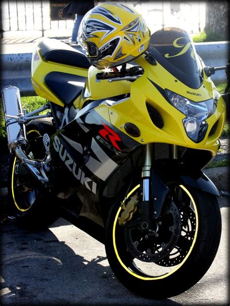 Suzuki Motorrad Gelb by Yellow Suzuki Motorcycle Near Verrazano Narrows Bridge