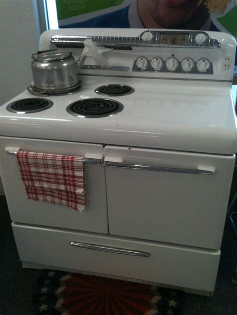 Vintage Kitchen Appliance For Sale | 1950s kelvinator range cook stove for sale 350 makes a