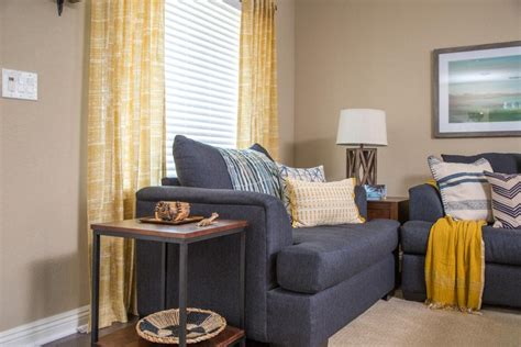 Hgtv Living Room Makeovers by Coastal Living Room Makeover Hgtv