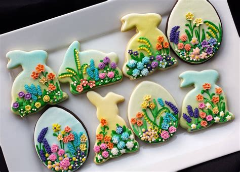 decorated easter cookies via web пасха easter egg biscuits and