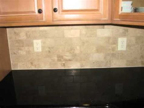 light travertine backsplash