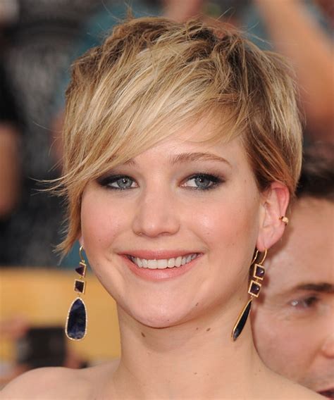 Jennifer Lawrence Short Straight Casual Hairstyle   Dark
