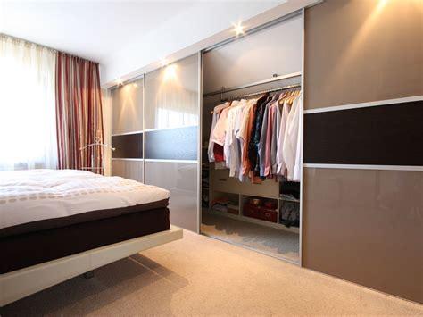 schlafzimmer ideen mit ankleide innenausbau ideen ganz individuell raumax