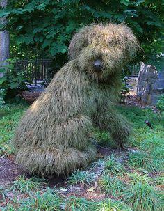alter botanischer garten hunde garten skulpturen ideen frau kleid sukkulenten haare