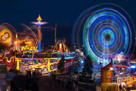 Australia Home Decor fairground attraction photograph by ray warren