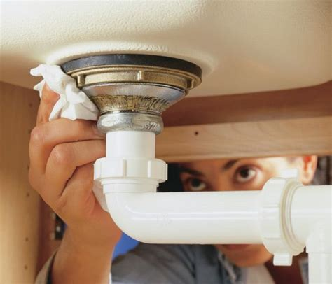 A Quick Guide To Checking For Leaks Under Your Sink Fixing Leak Kitchen Sink