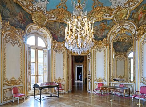 what kinds of colors were favored by rococo painters rococo the height of flamboyancy