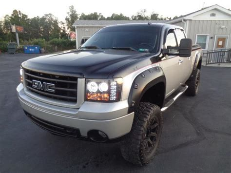 gmc sierra  crew cab slt  lifted tone offroad leather loaded   sale