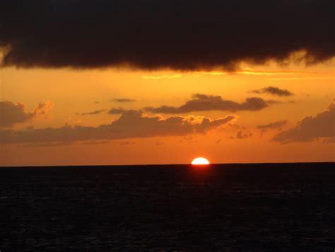 boat cruise waikiki oahu sunset cruise