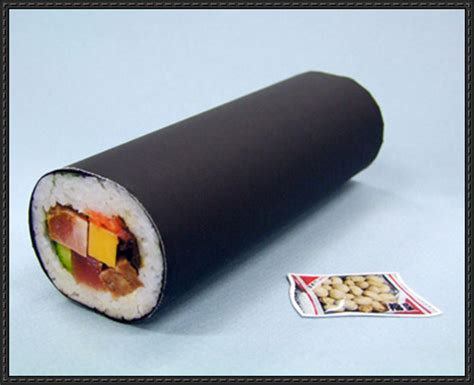 Sushi Papercraft - fortune roll sushi free papercraft