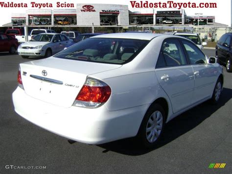 2005 toyota camry interior 2005 white toyota camry le 2669312 photo 3