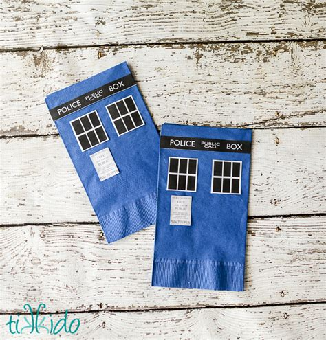 easy doctor who tardis paper napkin and plate tutorial