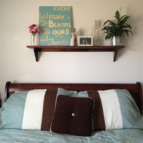 over the bed shelf 25 best ideas about shelf over bed on pinterest shelves