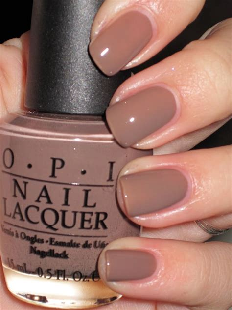 best autumn shades to paint your nails during the season