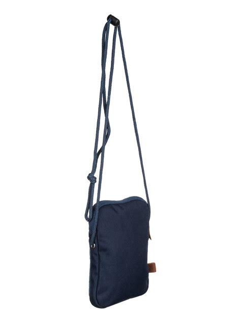black dies small shoulder bag eqyba03019 quiksilver
