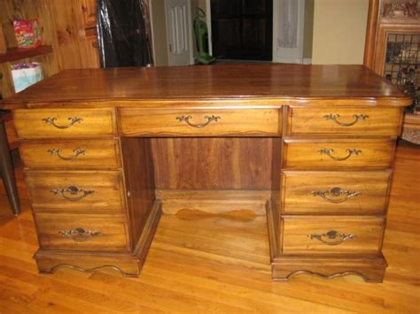 Craigslist Desk For Sale by Pin By Simmy Pappachen On Book Shelves