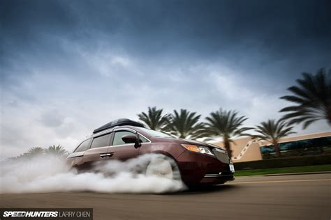 bisimoto odyssey top burnouts for all the family the 1029hp minivan speedhunters