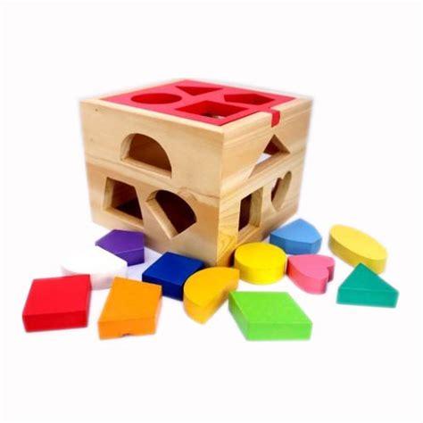 kotak pas mainan kayu