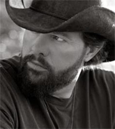 toby keith new orleans toby keith becomes pinup guy for uso calendar