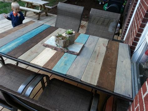 Patio Table From Pallets by Patio Table Top Redo With Pallet Wood Kindred