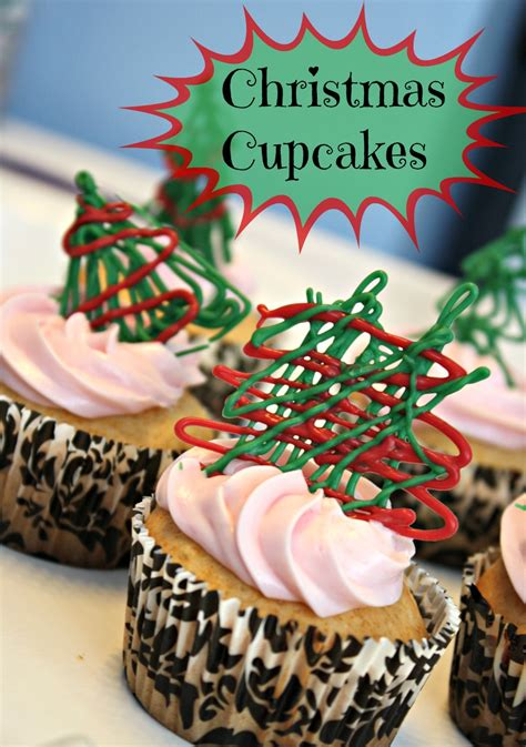 easy christmas cupcakes with drizzled chocolate recipe
