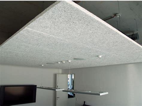 materiali per controsoffitti pannelli per controsoffitto acustico in di legno