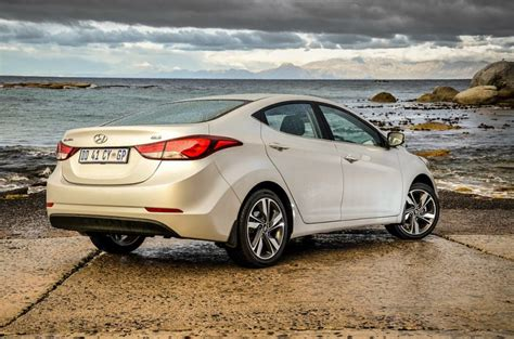 2014 Hyundai Elantra Gls by Hyundai Elantra 1 6 Gls 2014 Review Cars Co Za