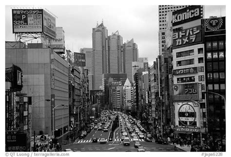 black and white japan wallpaper black and white picture photo avenue in shinjuku tokyo