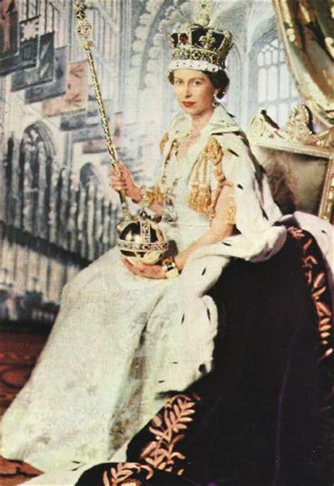 film of queen elizabeth s coronation queen elizabeth ii s coronation gown
