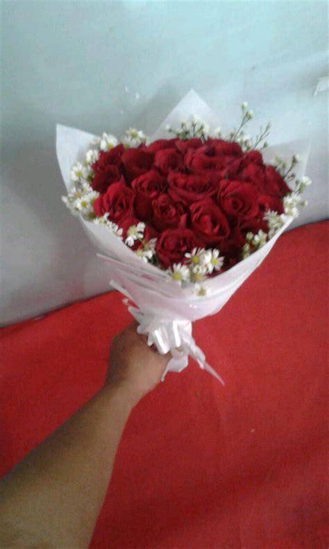 jual bunga wisuda buket bunga kado bunga mawar asli