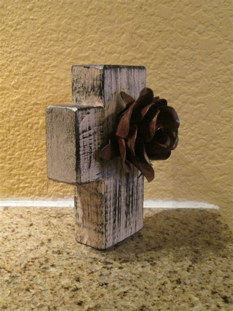 wholesale crosses home decor wood iron wall cross wall wood cross with iron rusty rose antique white color