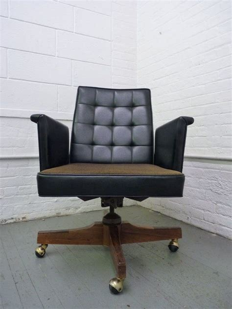 Modern Office Lounge Chairs by 26 Best Mid Century Modern Office Images On