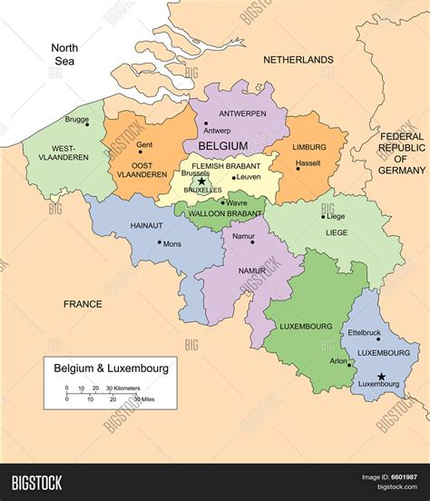 map of and surrounding countries belgium and luxembourg with administrative districts and