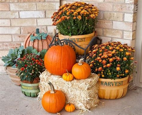 when should i decorate for fall 18 fascinating outdoor fall decorations that you shouldn t