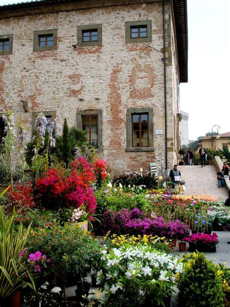 fiera fiori palazzo della corgna il principale museo lago trasimeno