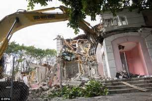 Pablo Escobar House For Sale by Pablo Escobar S Florida Mansion Owned Demolition Begins